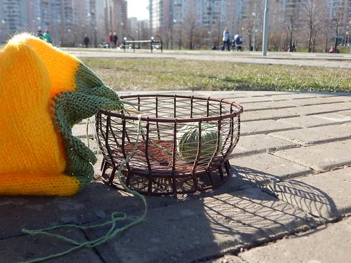 вязание в парке и кошелка | horoshogromko.ru
