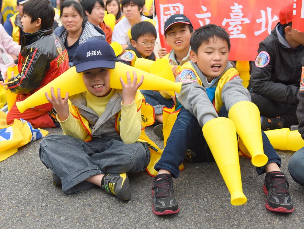 2015年的全民護幼大遊行,許多幼教師和兒童、家長走上街頭,呼籲幼教公共化。(資料照片/攝影:宋小海)
