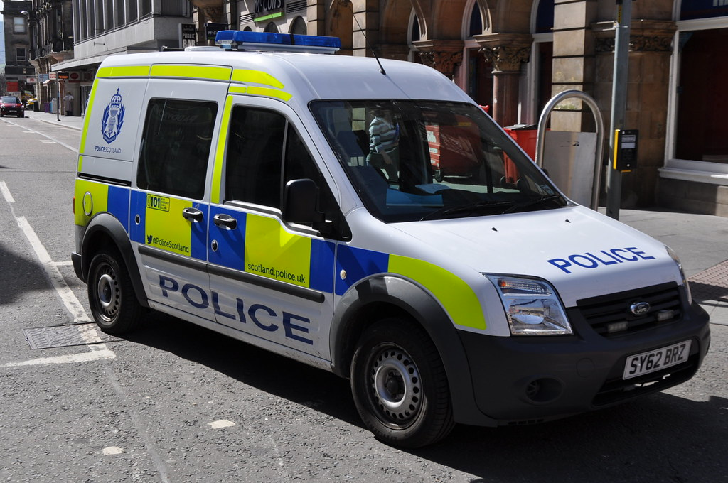 Police Scotland Ford Transit Connect Cell Van Sy62 B