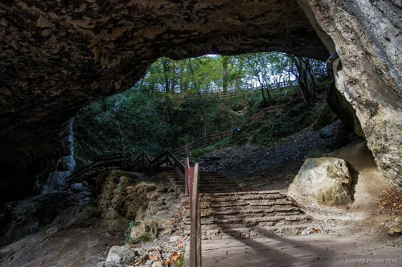 Saliendo de las cuevas de Zugarramurdi