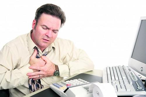 Доки серце здорове і працює нормально, ми зазвичай почуваємося комфортно. З появою патологій у серцево-судинній системі можуть порушуватись функції головного мозку, органів зору, слуху, внутрішніх органів тощо. Що ж потрібно робити, аби зберегти своє серце здоровим — радить лікар-кардіолог Олександр Пащенко.
