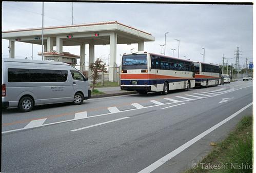 島ぐるみ会議のチャーターバス /  charter buses
