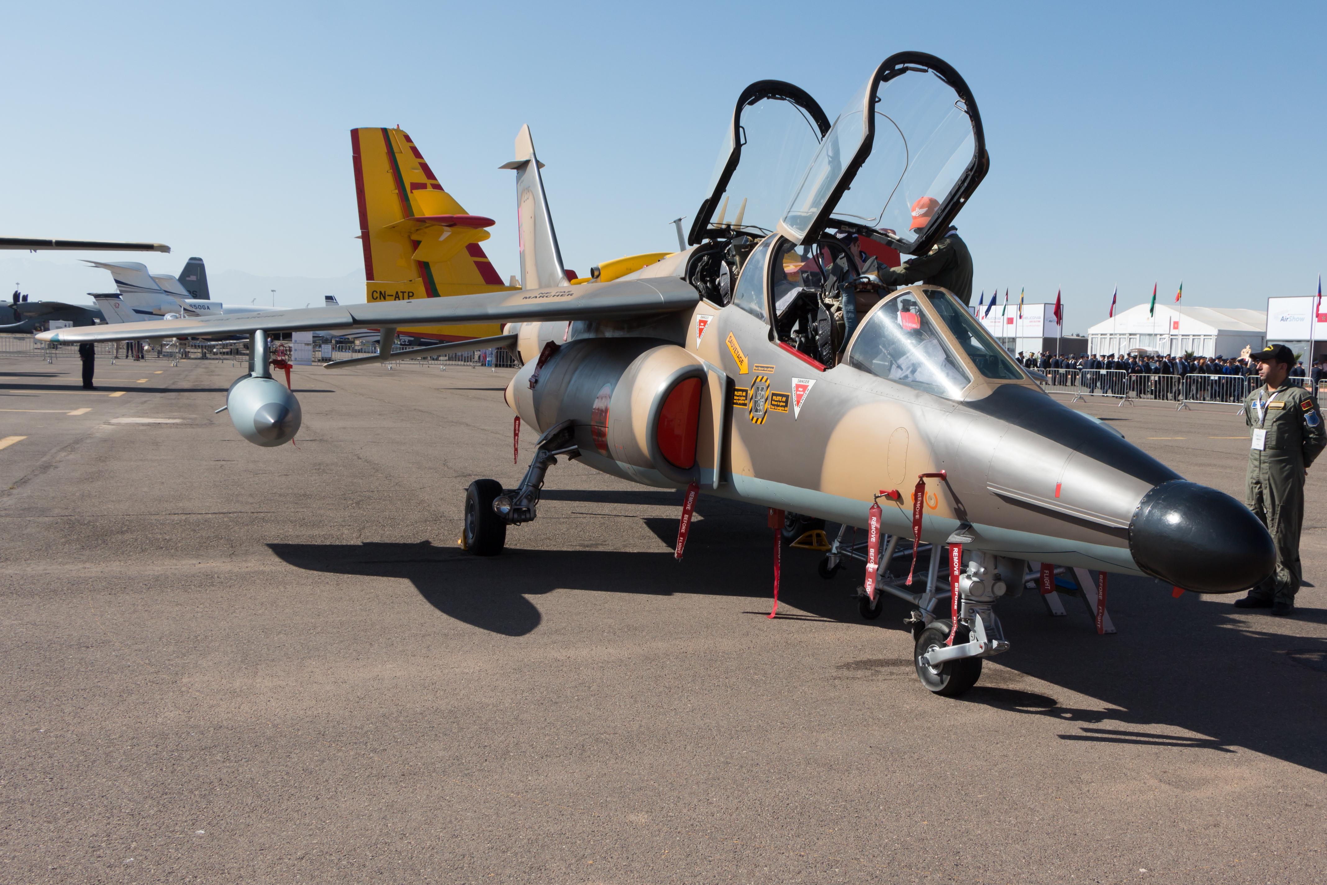 FRA: Photos avions d'entrainement et anti insurrection - Page 9 27383505385_186a509e0f_o