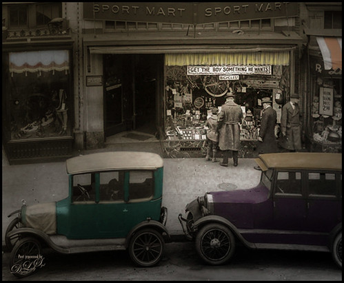 Shorpy's Vintage Image of shopping at the Sport Mart in Washington, DC in 1922