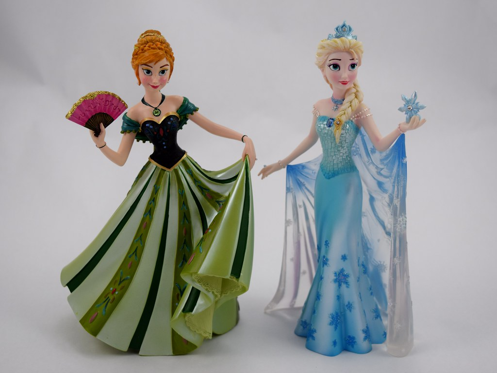 Anna and elsa couture de force 8 39 39 figurines us disney s for Couture de force elsa