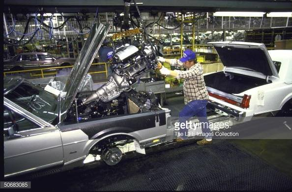 1988 Lincoln Town Car On The Assembly Line 1988 Lincoln