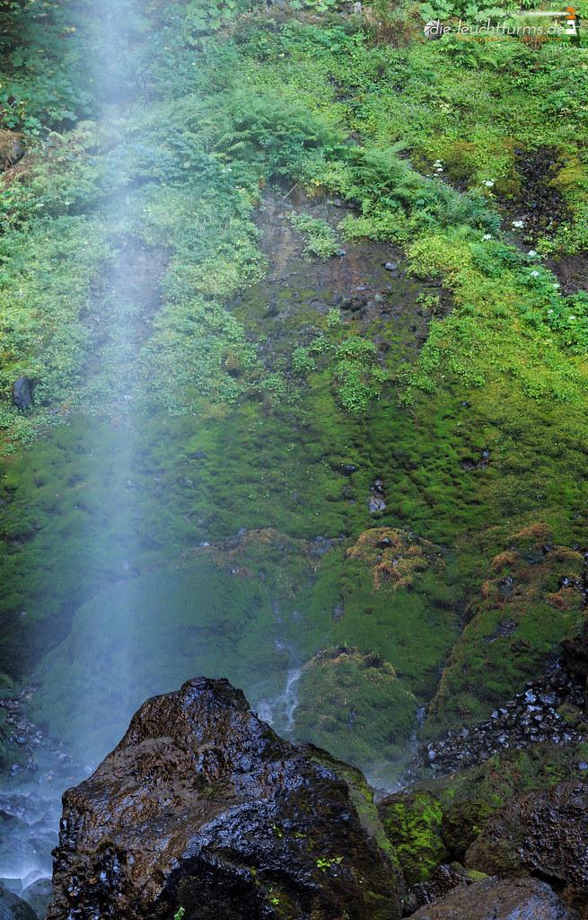 Elowah Falls closeup