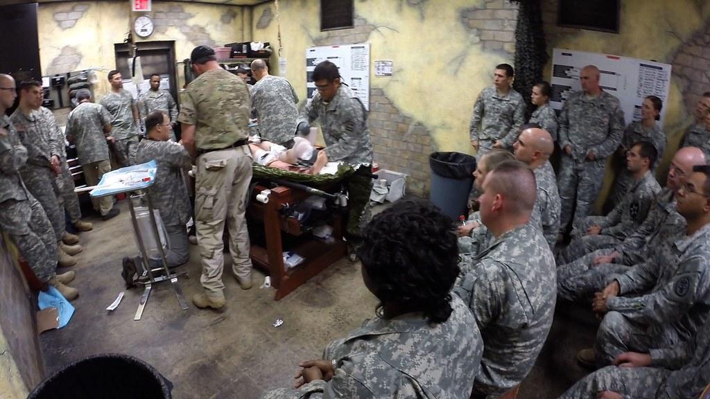 AMEDD BOLC 4 | U.S. Army physician's assistants watch a ...