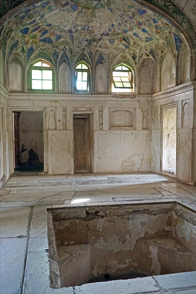 salle du hammam du palais shahi qila burhanpur inde flickr. Black Bedroom Furniture Sets. Home Design Ideas