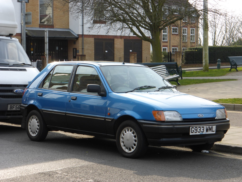 1990 ford fiesta 1 4 ghia parked in rayleigh with blue. Black Bedroom Furniture Sets. Home Design Ideas