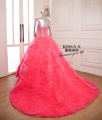 拍照婚紗和宴客禮服怎麼選?讓高雄kiss99婚紗告訴你:宴客用禮服 (7)