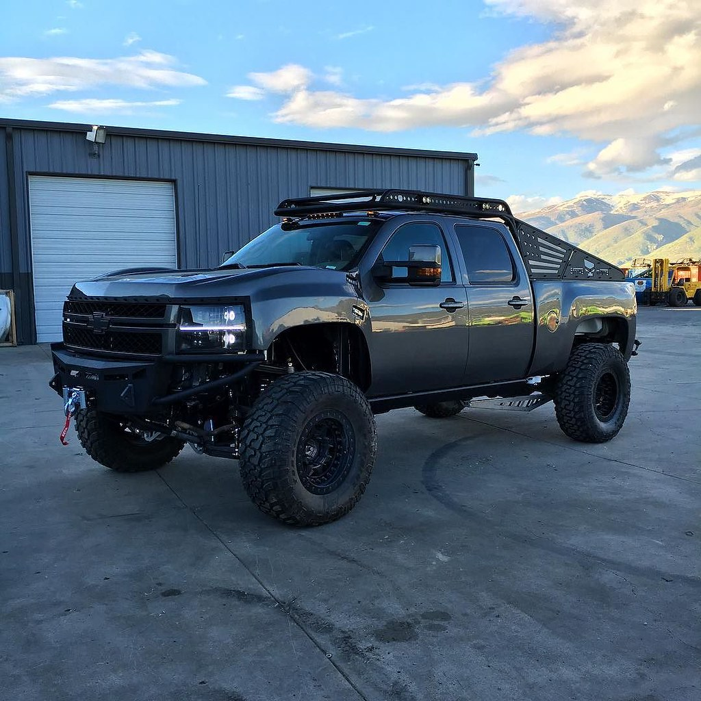 Almost there... #Zeus #dailydriver #duramax | by heavydspark ...