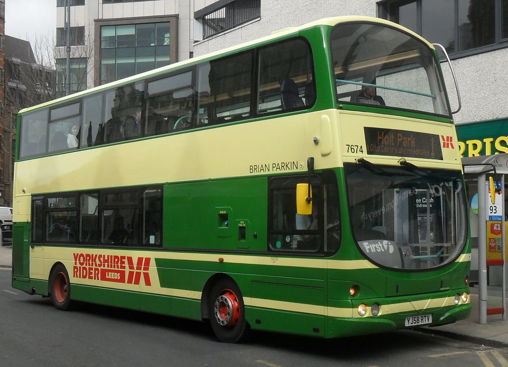 First Leeds Yorkshire Rider Leeds 37674 7674 Volvo B9tl