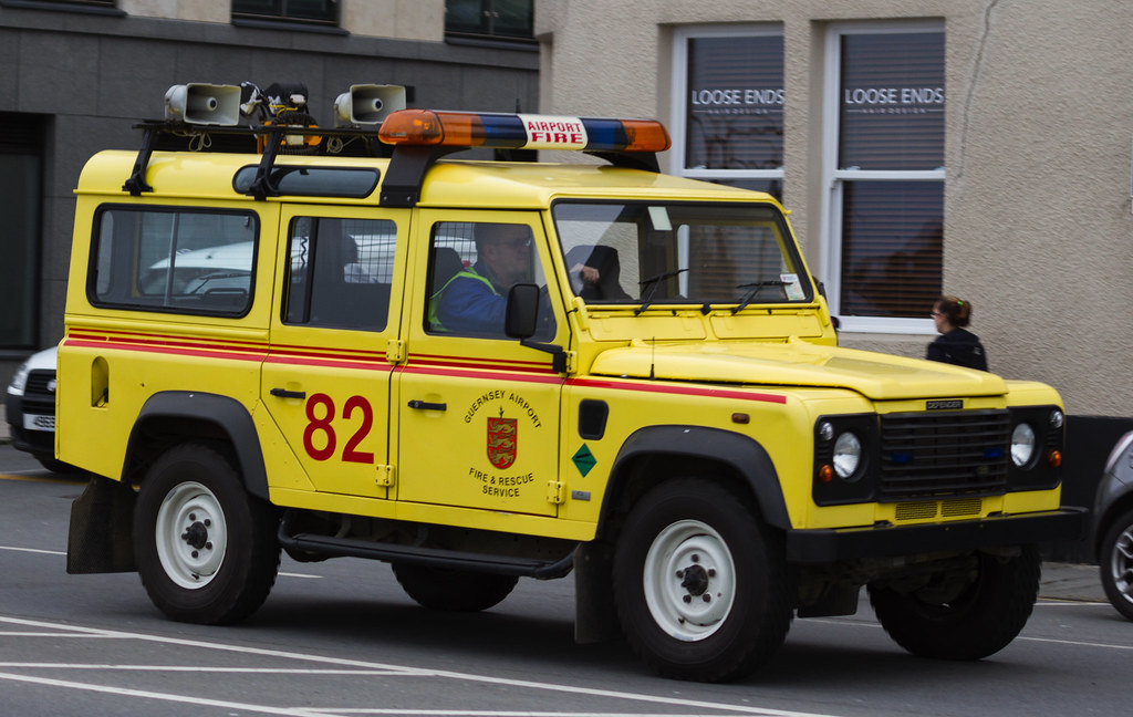 Guernsey Airport Fire Amp Rescue Land Rover Defender Flickr