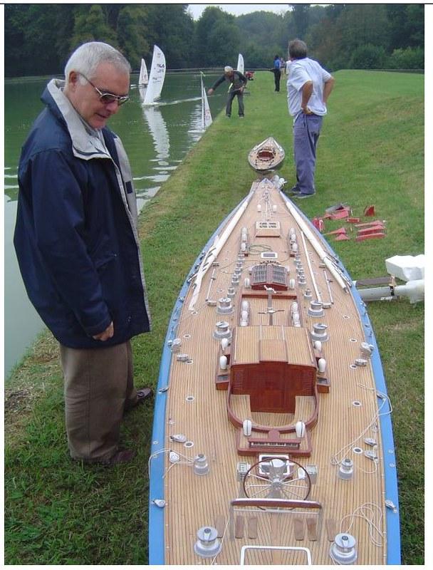 Endeavour sailboat model 17025433478_faca0e3f53_c