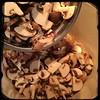 #homemade #SugoDIPomodoroConFunghi - #CucinaDelloZio - #cremini #mushrooms