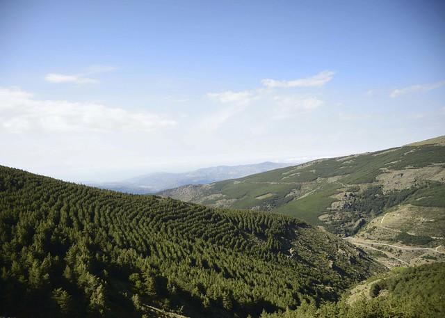 Vistas panorámicas de Sierra Nevada, el mar y el Puerto de la Ragua