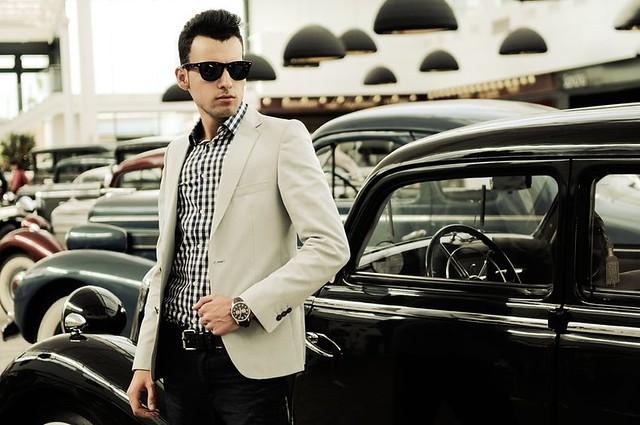 man-fashion-trend-sunglasses