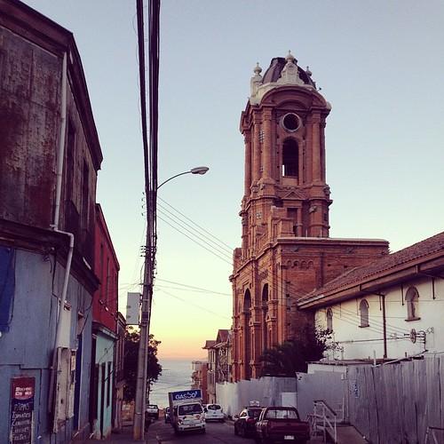 Atardece en el cerro Barón #Valparaíso #Valpo #Chile 🚶🌅