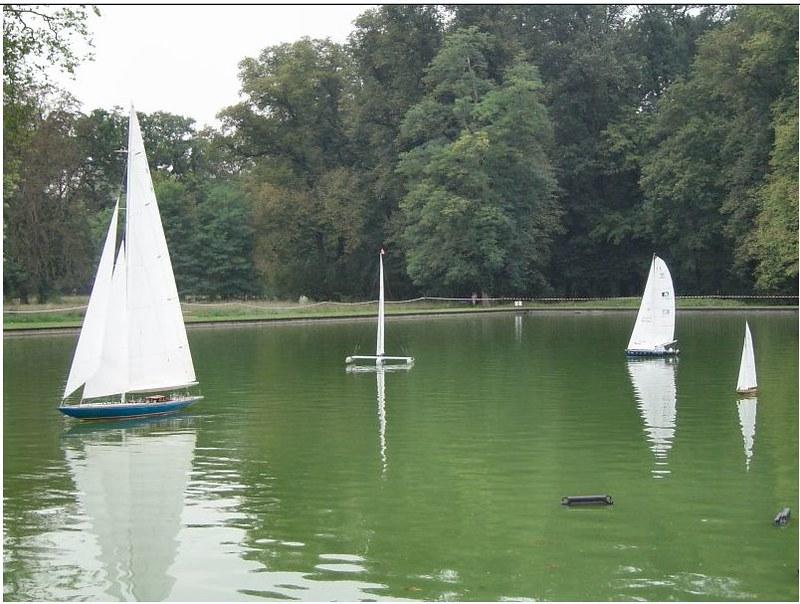 Endeavour sailboat model 17025654810_70e4ae1611_c
