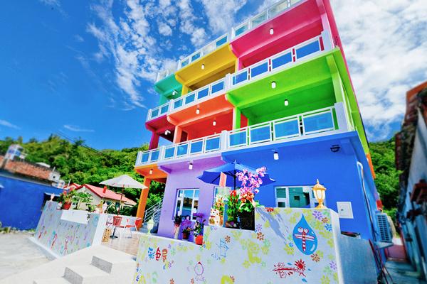 小琉球旅遊,小琉球海景民宿,彩色屋民宿