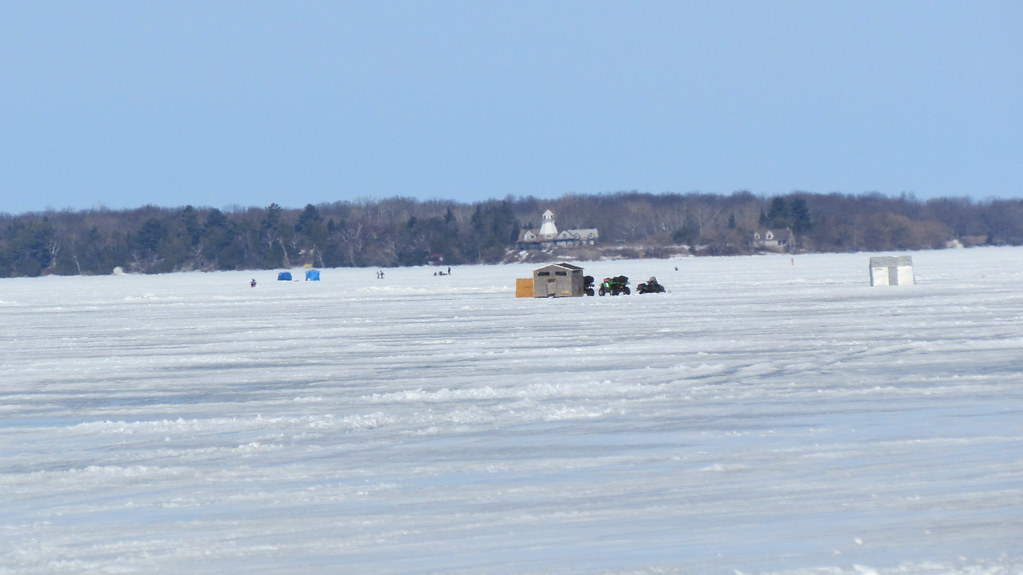 Ice fishing on lake simcoe ontario the temperatures are for Lake simcoe fishing