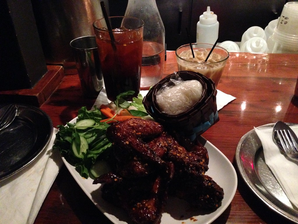 Chicken wings with sticky rice
