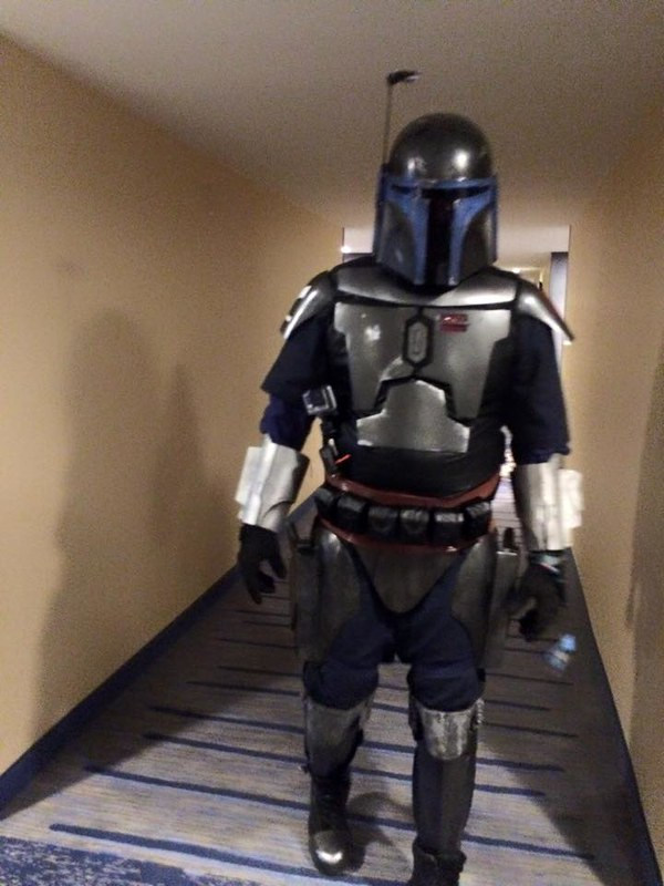 Mandalorian in the Hallway