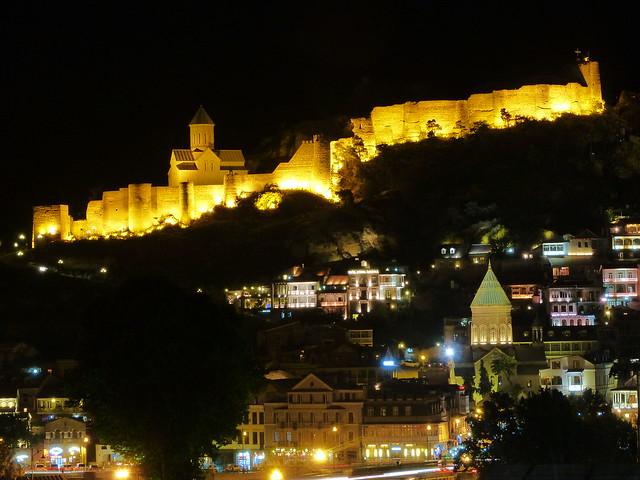 Tbilisi por la noche (Georgia)