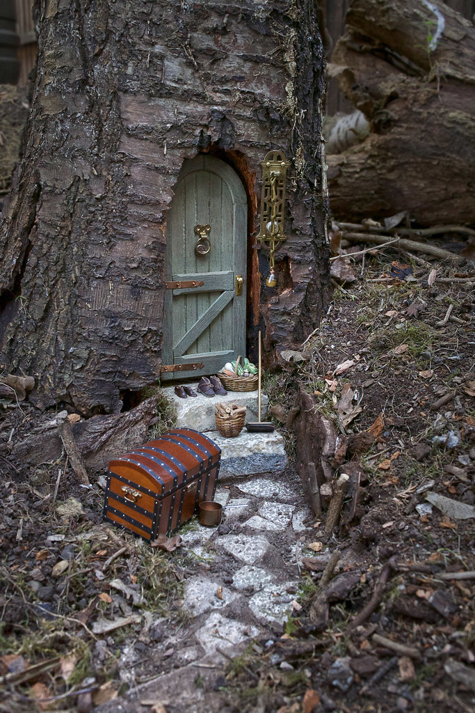 Fairy door in tree trunk my latest garden project is for White fairy door