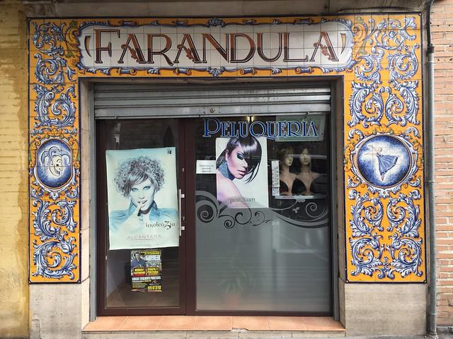 Peluquería Farándula (azulejos Talavera)