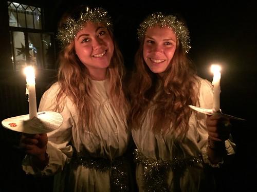 Karin och Hedda firar Lucia