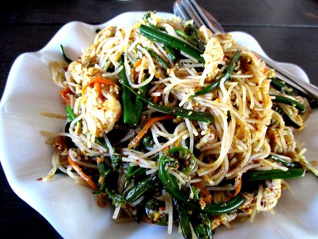 Flavours fried bihun with paku
