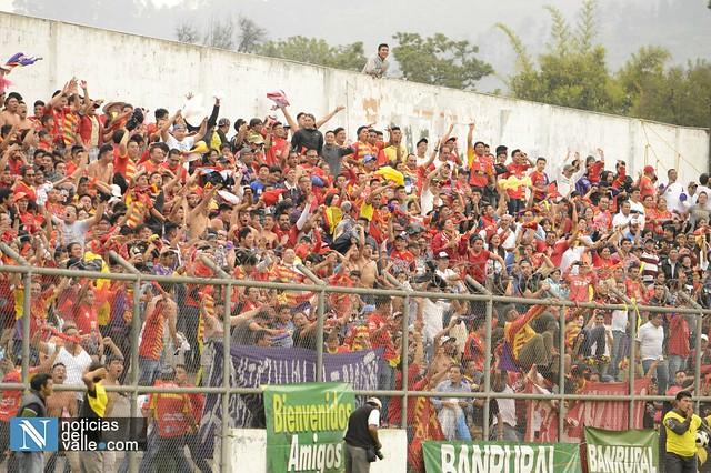 Galeria | Espectacular apoyo a San Pedro en su ascenso a la liga Primera División