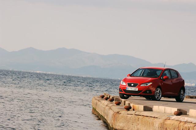 Пятидверный хэтчбек SEAT Ibiza IV. 2008 - 2012 годы