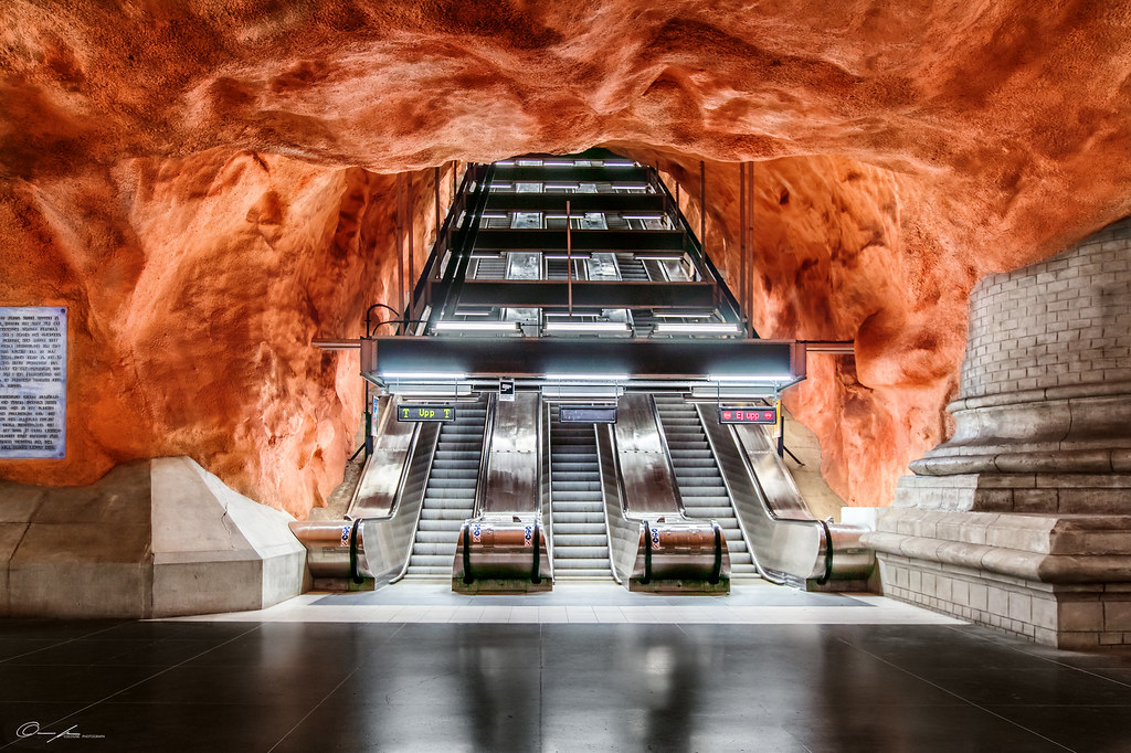 """Red hole 