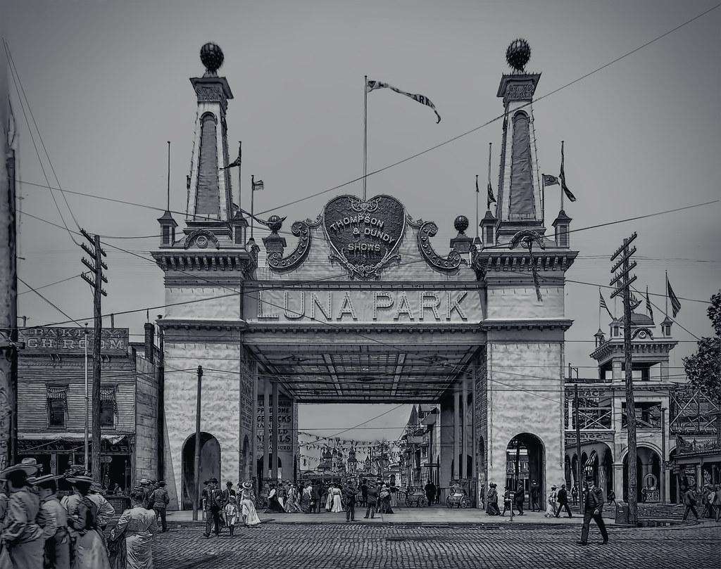 Entrance to Luna Park - 1904