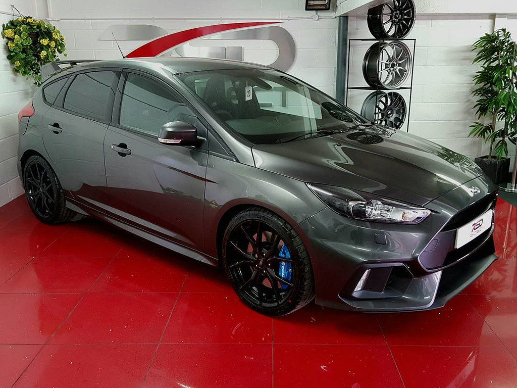 our magnetic grey ford focus rs mk3 looks slick on our new. Black Bedroom Furniture Sets. Home Design Ideas