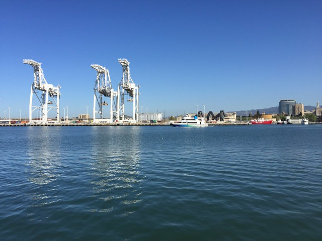 Shipping container cranes, Port of Oakland