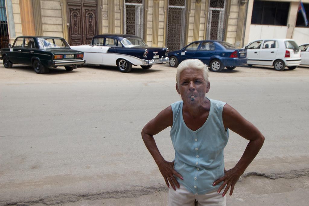 sikarinainen, Havanna, Kuuba