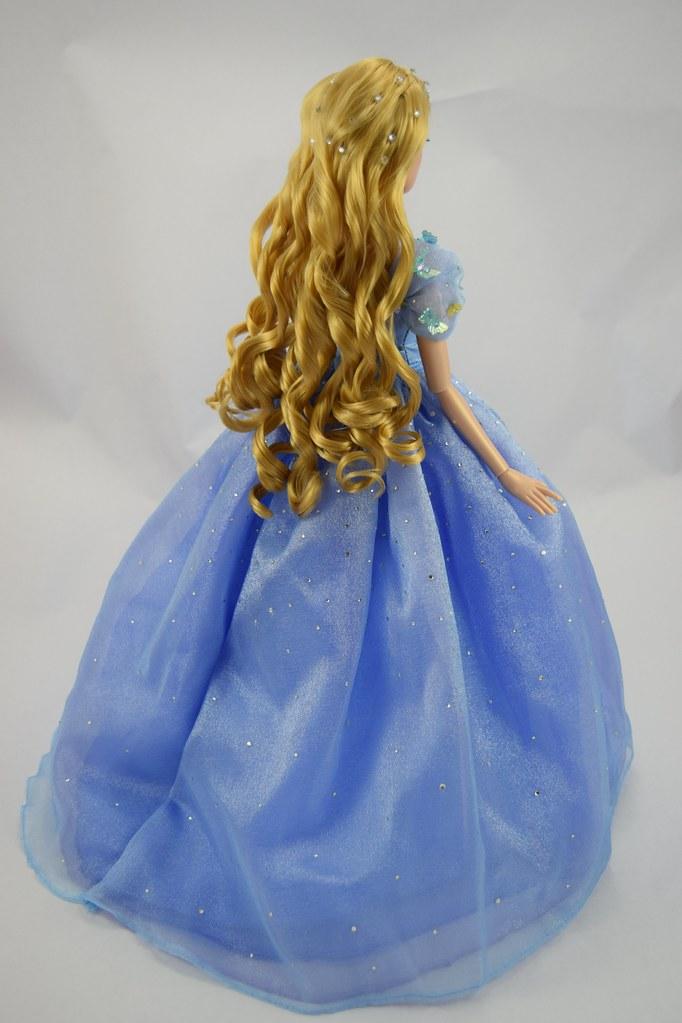 2015 Blue Gown Cinderella Limited Edition 17 Doll Disn