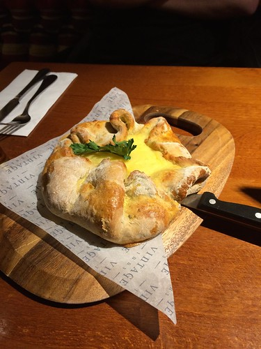 March Hare Pub - cheesy garlic bread