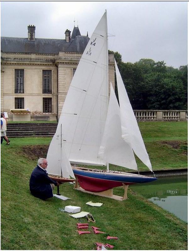 Endeavour sailboat model 17005759677_4461bdc73c_c