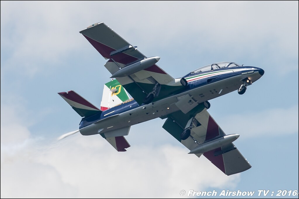 Frecce Tricolori , patrouille acrobatique officielle de l'armée de l'air italienne , Aermacchi MB-339PAN , Meeting de l'air BA-702 Avord , Meeting Aerien Avord 2016 , FOSA , Armée de l'air , Canon Reflex , EOS System