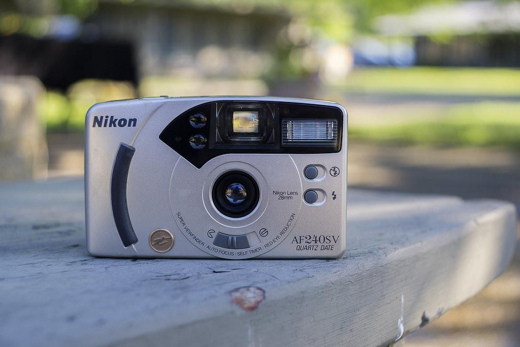 CCR Review 44 - Nikon AF240SV