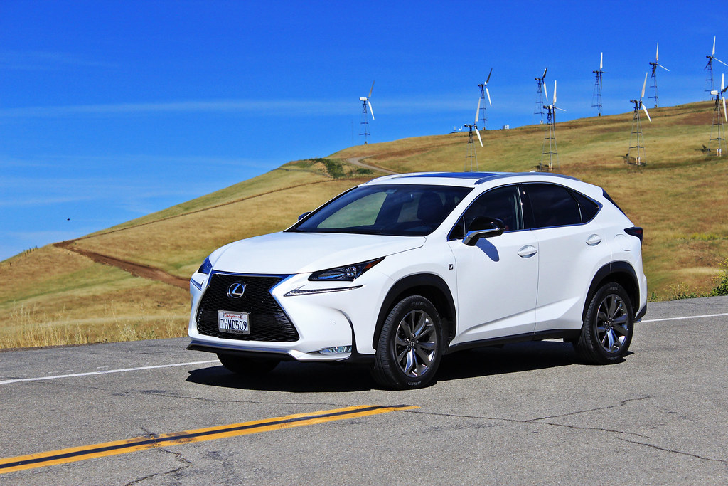 review 2015 lexus nx 200t f sport car fanatics. Black Bedroom Furniture Sets. Home Design Ideas