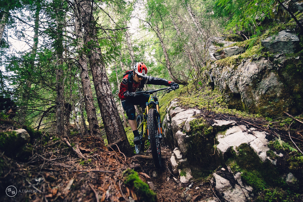 Jesse Melamed body language on Bush Doctor trail, Whistler
