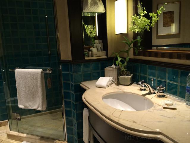 Sheraton Grande Sukumvit - Bathroom