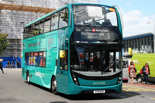 Reading Buses 768 on Route 5, Reading Station