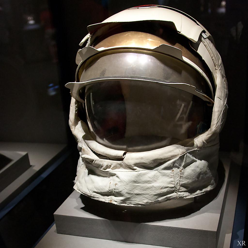 apollo 11 space helmet - photo #16